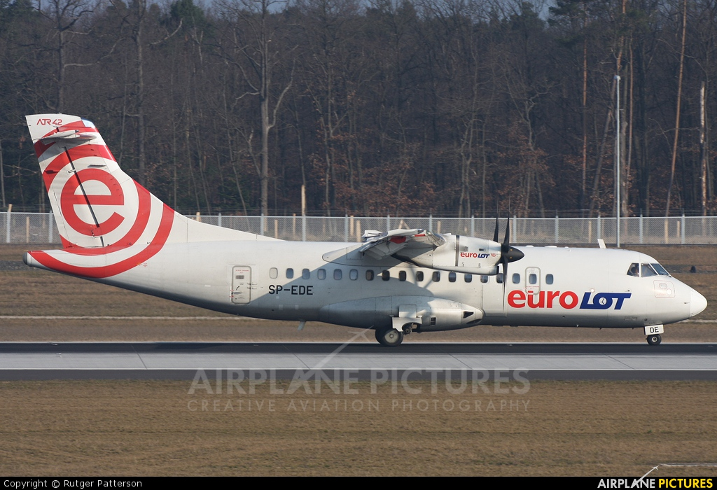 euroLOT SP-EDE aircraft at Frankfurt