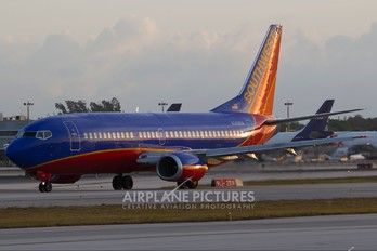 N349SW - Southwest Airlines Boeing 737-300