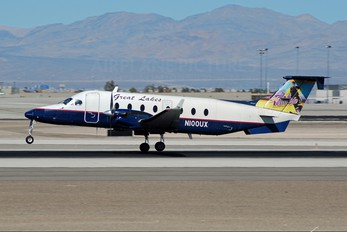 N100UX - Great Lakes Airlines Beechcraft 1900D Airliner
