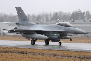 4069 - Poland - Air Force Lockheed Martin F-16C block 52+ Jastrząb
