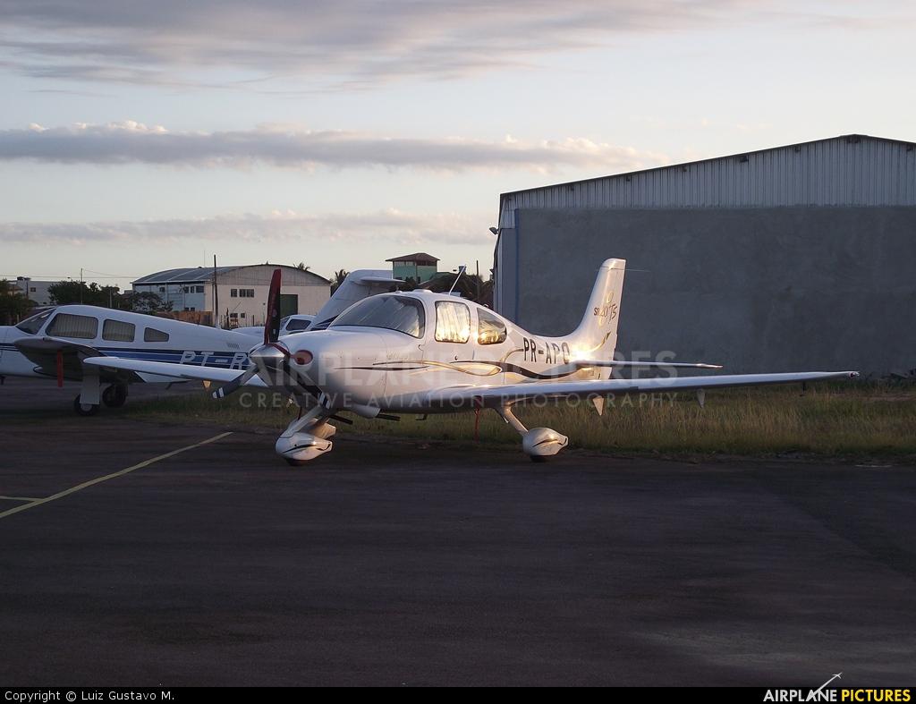 Private PR-APO aircraft at João Monteiro