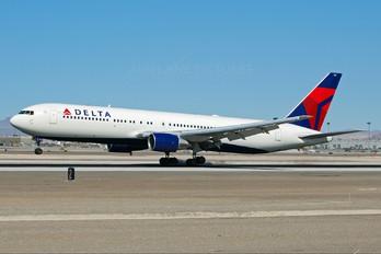 N127DL - Delta Air Lines Boeing 767-300