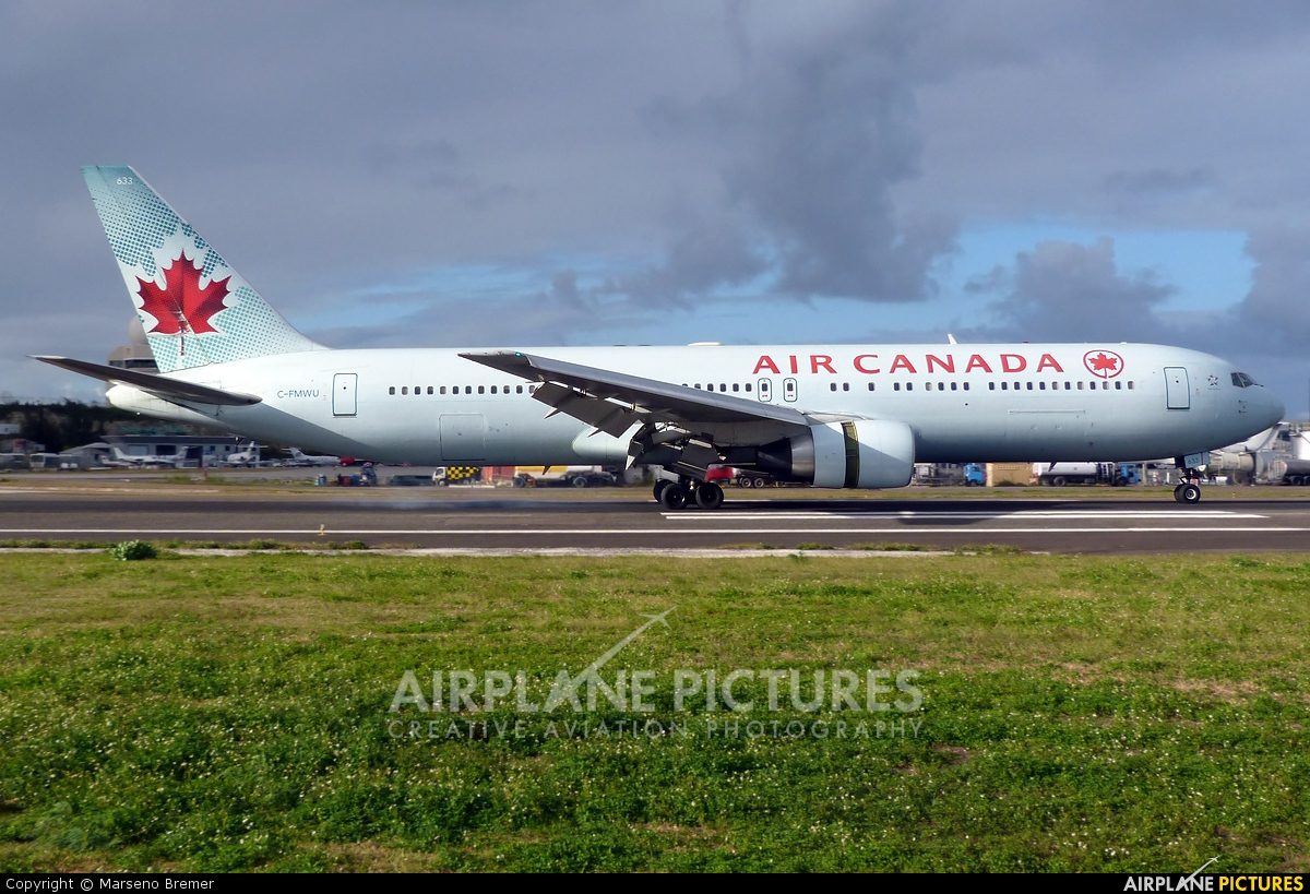 Air Canada C-FMWU aircraft at Sint Maarten - Princess Juliana Intl