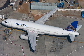 N427UA - United Airlines Airbus A320
