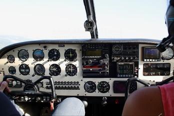 LV-IYL - Private Piper PA-32 Cherokee Six