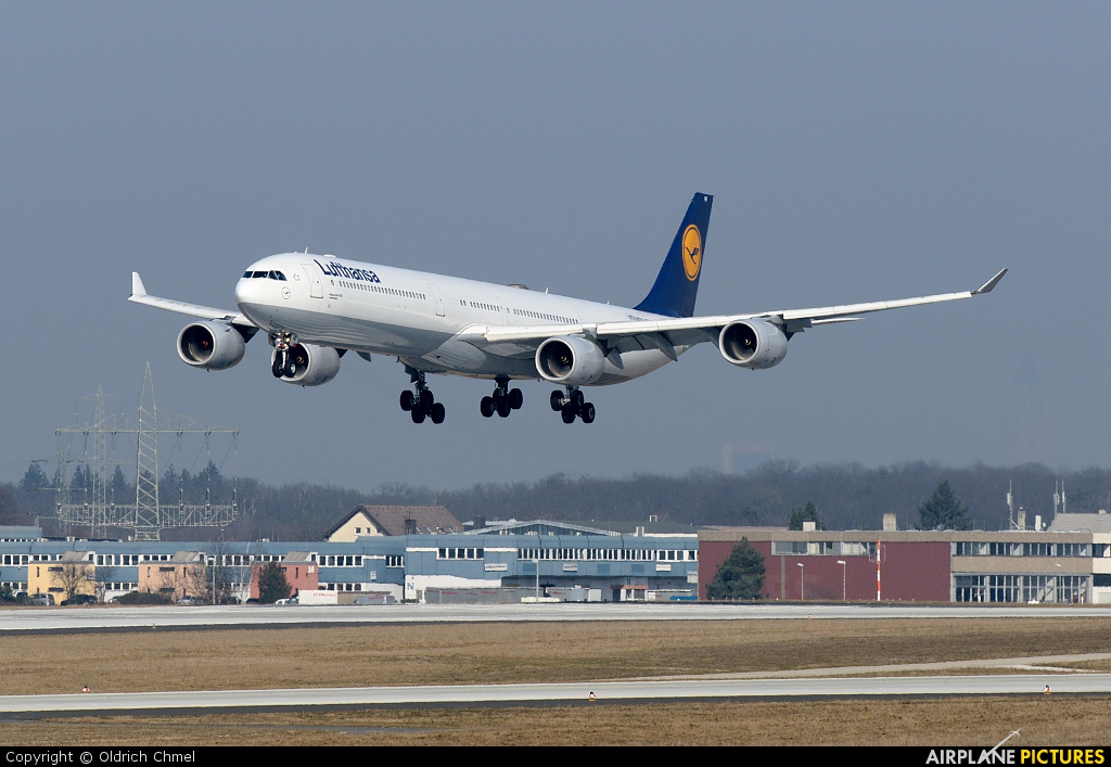 Lufthansa D-AIHE aircraft at Frankfurt