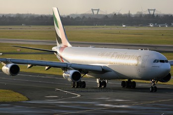 A6-ERM - Emirates Airlines Airbus A340-300