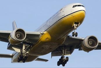 V8-BLC - Royal Brunei Airlines Boeing 777-200ER