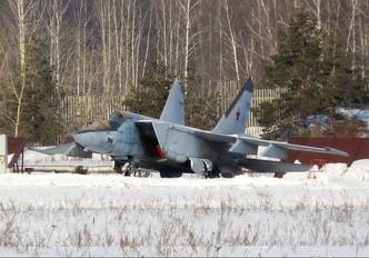 05 - Russia - Air Force Mikoyan-Gurevich MiG-25PU