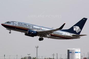 N857AM - Aeromexico Boeing 737-700