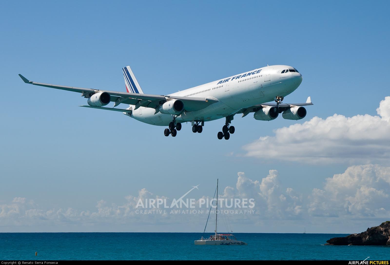 Air France F-GLZT aircraft at Sint Maarten - Princess Juliana Intl
