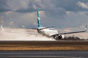 C-GWSE - WestJet Airlines Boeing 737-700