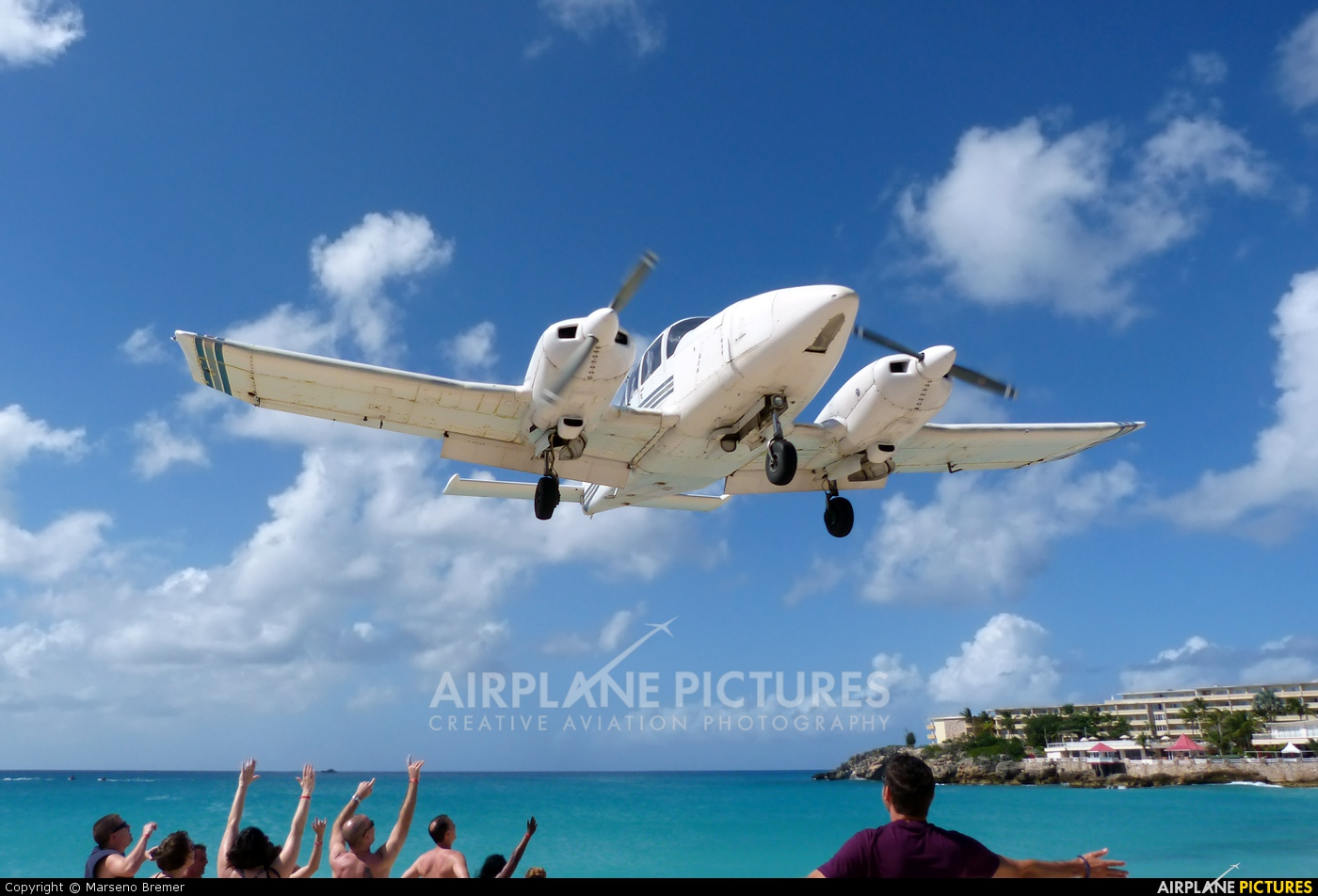 Private N6904A aircraft at Sint Maarten - Princess Juliana Intl