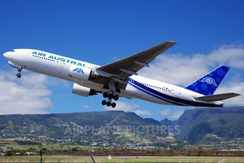 F-OMAY - Air Austral Boeing 777-200ER