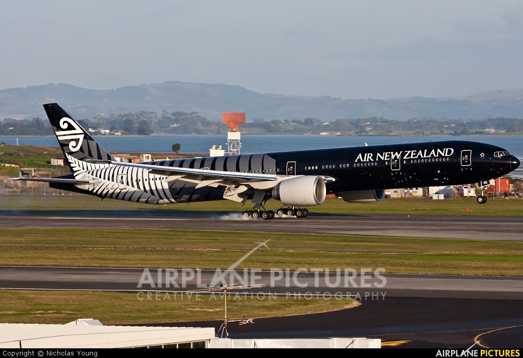 Air New Zealand ZK-OKQ aircraft at Auckland Intl