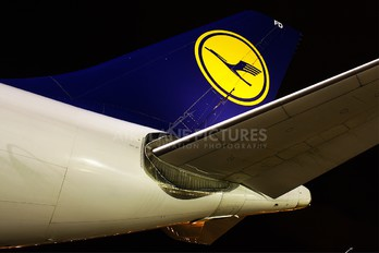 D-AIFD - Lufthansa Airbus A340-300