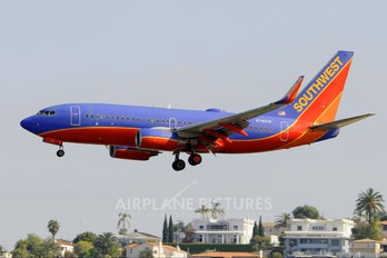 N716SW - Southwest Airlines Boeing 737-700