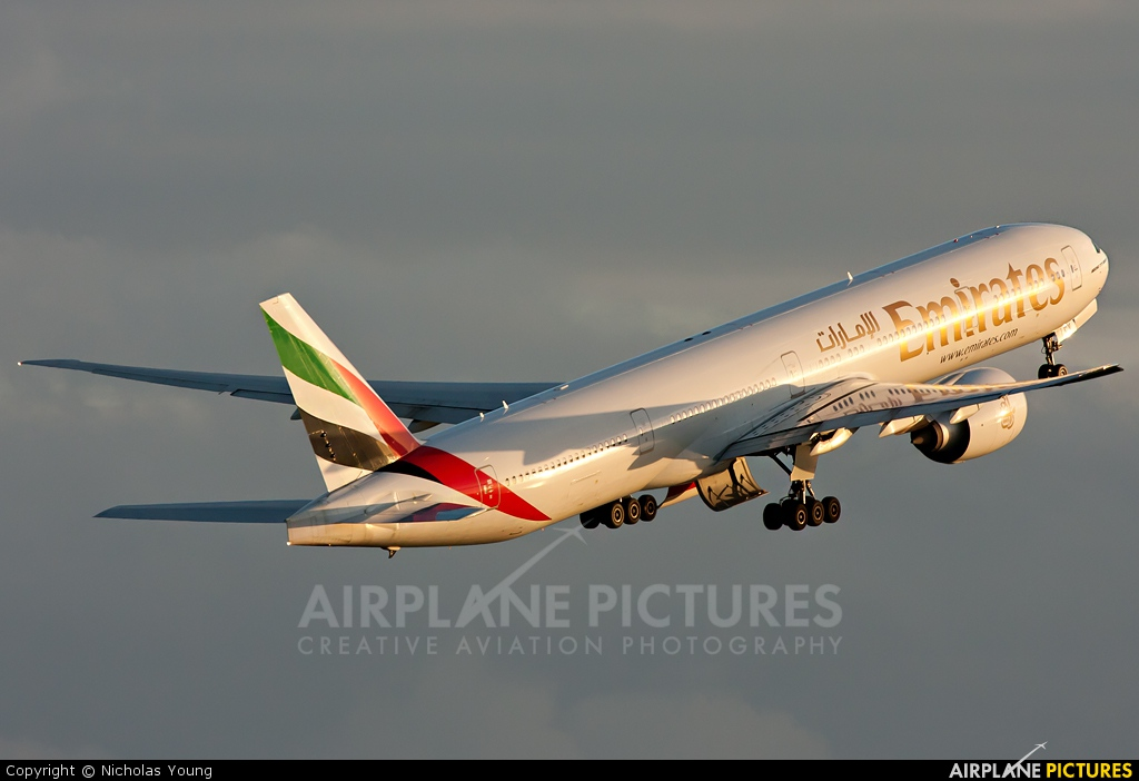 Emirates Airlines A6-ECV aircraft at Auckland Intl