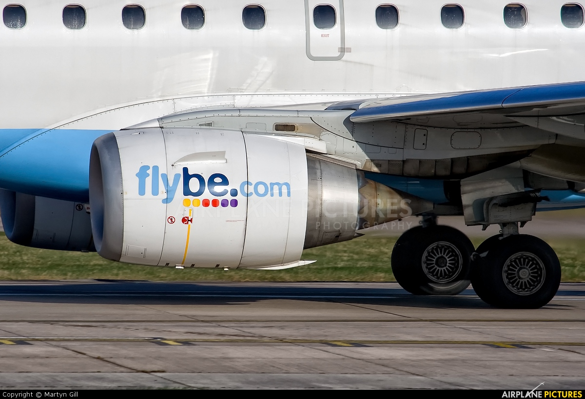 Flybe G-FBEG aircraft at Manchester