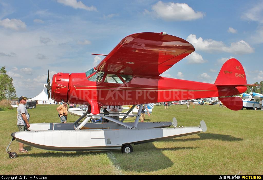 Private NC19498 aircraft at Polk City