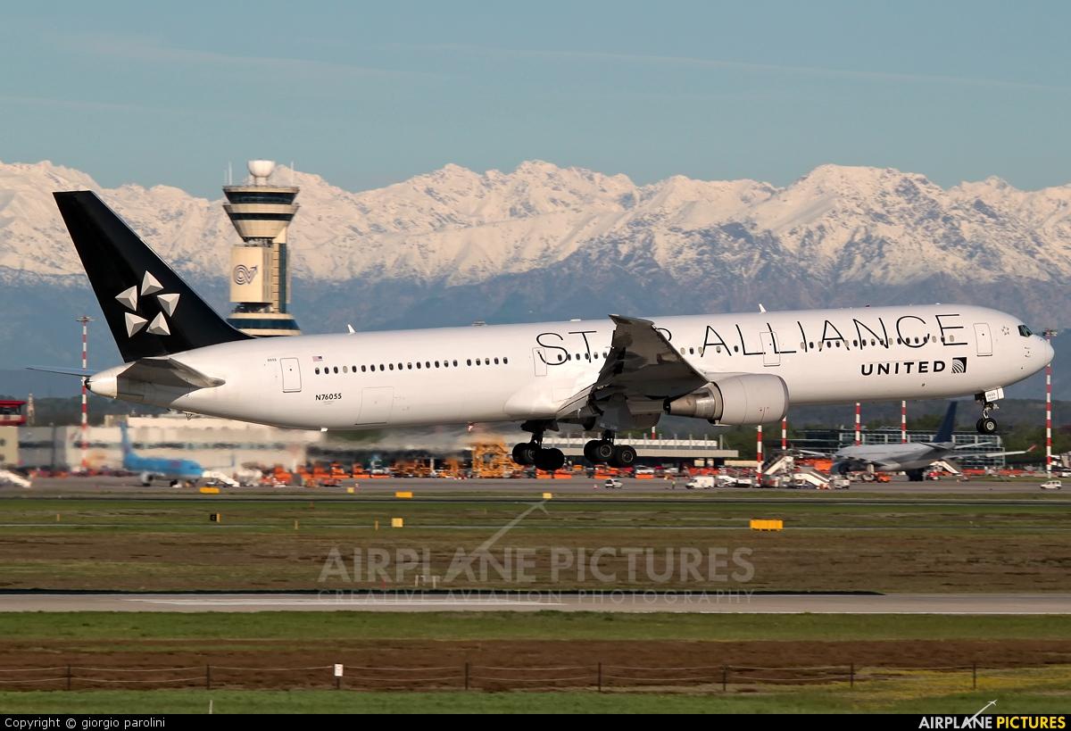 United Airlines N76055 aircraft at Milan - Malpensa