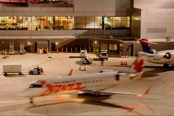 C-GZJA - Air Canada Jazz Canadair CL-600 CRJ-200