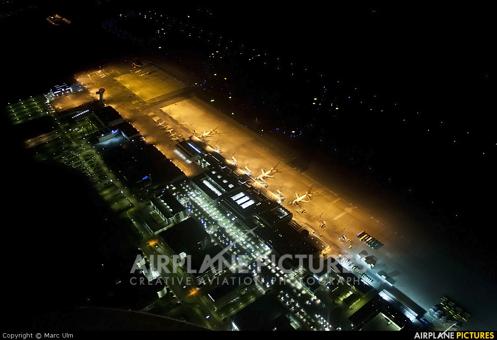 - Airport Overview - aircraft at Nuremberg