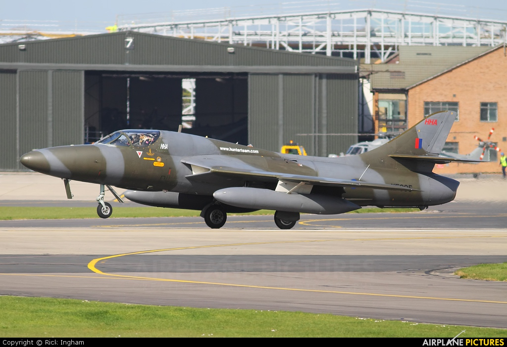 Royal Navy XF995 aircraft at Yeovilton