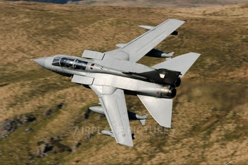 ZA587 - Royal Air Force Panavia Tornado GR.4 / 4A