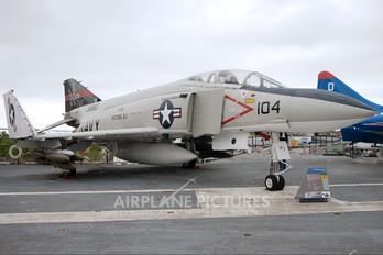 153880 - USA - Navy McDonnell Douglas F-4S Phantom II
