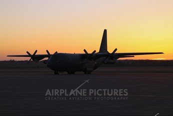 130337 - Canada - Air Force Lockheed CC-130H Hercules