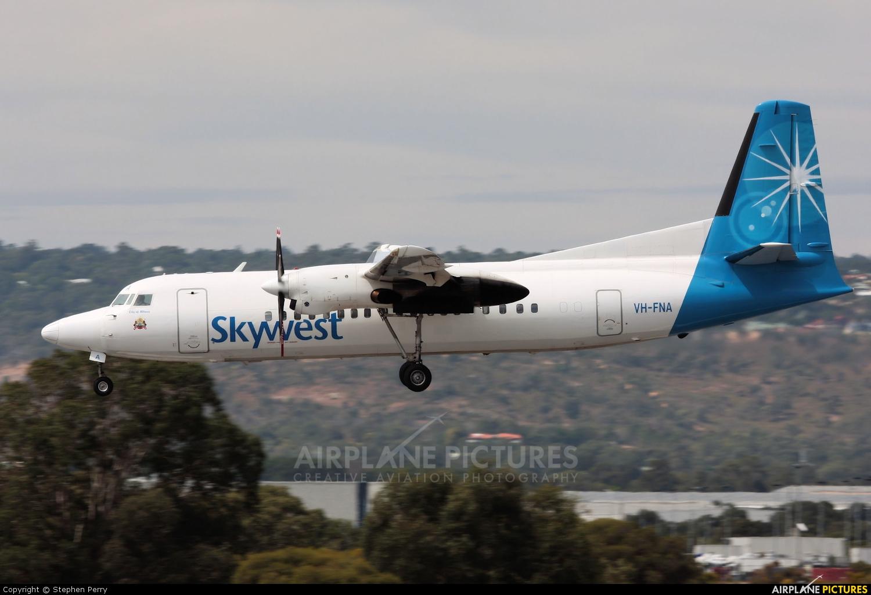 VH-FNT   Fokker 100   Virgin Australia Regional Airlines (Skywest ...