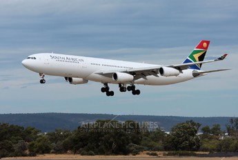 ZS-SXH - South African Airways Airbus A340-300