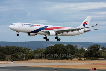 9M-MTC - Malaysia Airlines Airbus A330-300