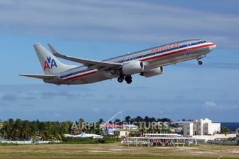 N904AN - American Airlines Boeing 737-800