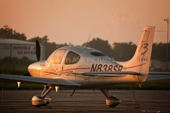 N838SR - Private Cirrus SR22