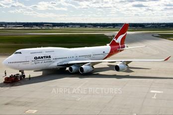 VH-OJN - QANTAS Boeing 747-400