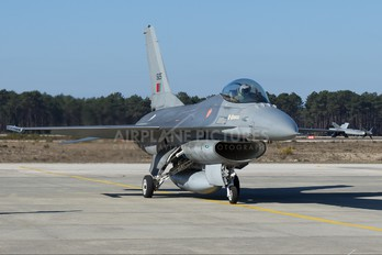 15125 - Portugal - Air Force General Dynamics F-16A Fighting Falcon