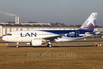 D-AVYH - LAN Airlines Airbus A319