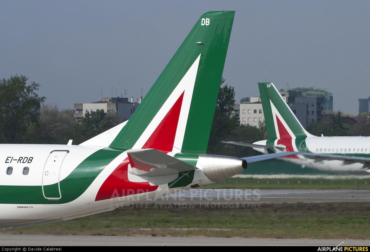 Alitalia EI-RDB aircraft at Milan - Linate