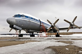 RA-75917 - Russia - Air Force Ilyushin Il-22