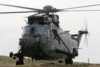 ZD480 - Royal Navy Westland Sea King HC.4