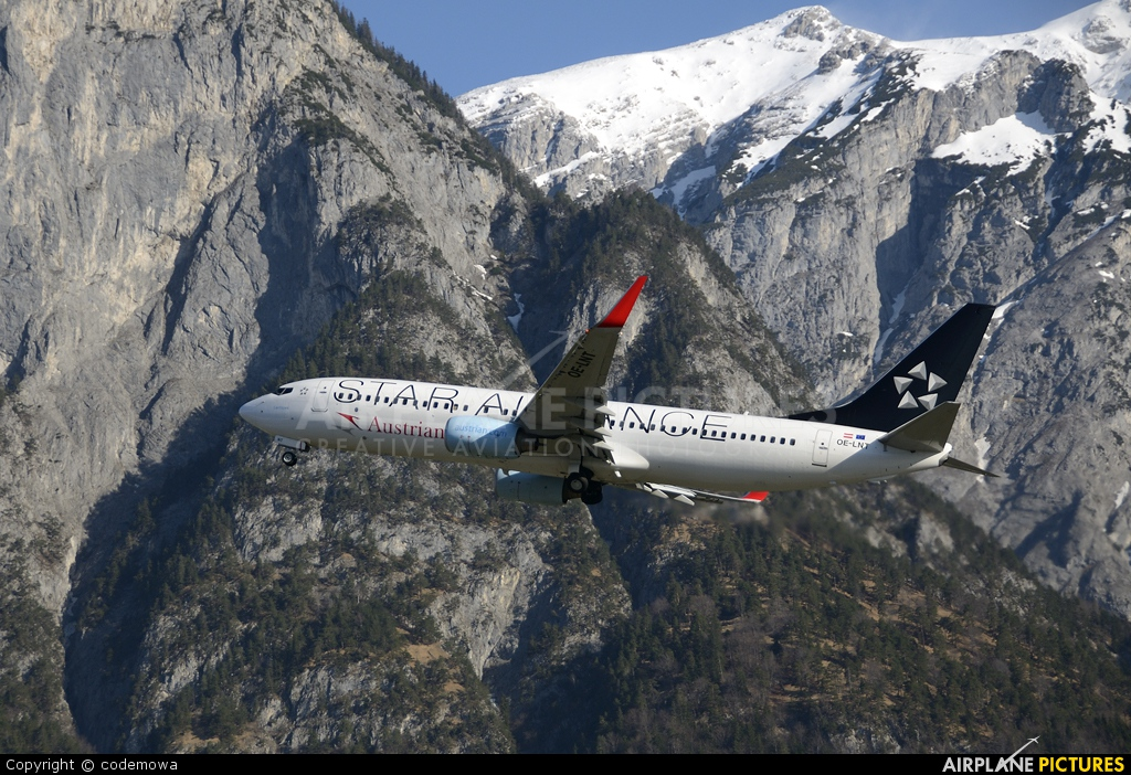 Austrian Airlines/Arrows/Tyrolean OE-LNT aircraft at Innsbruck