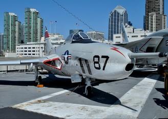 141702 - USA - Navy Grumman F-9 Cougar