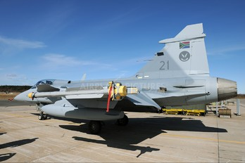 21 - South Africa - Air Force SAAB JAS 39C Gripen
