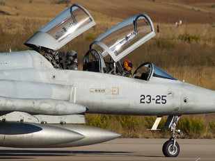 AE.9-005 - Spain - Air Force CASA-Northrop  SF-5B(M) Freedom Fighter