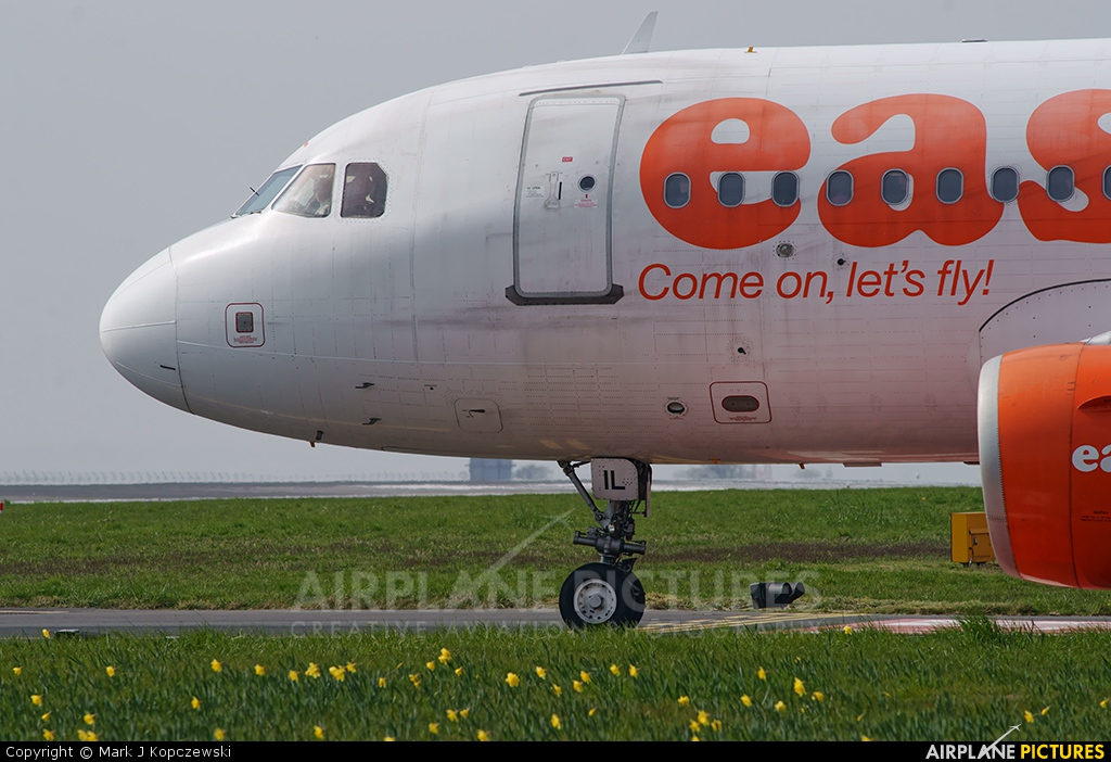 easyJet G-EZIL aircraft at Liverpool