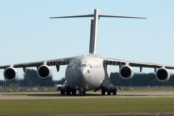 05-5147 - USA - Air Force Boeing C-17A Globemaster III