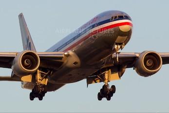 N752AN - American Airlines Boeing 777-200ER
