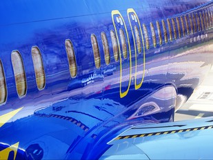 UR-AAN - Aerosvit - Ukrainian Airlines Boeing 737-800
